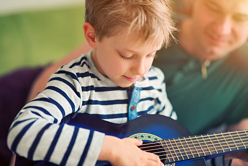 acoustic guitars for kids reviews