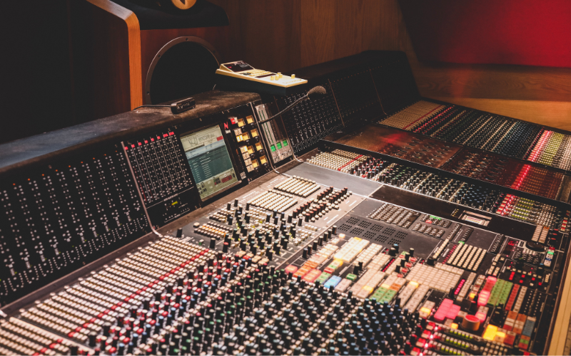 How to Become a Sound Engineer